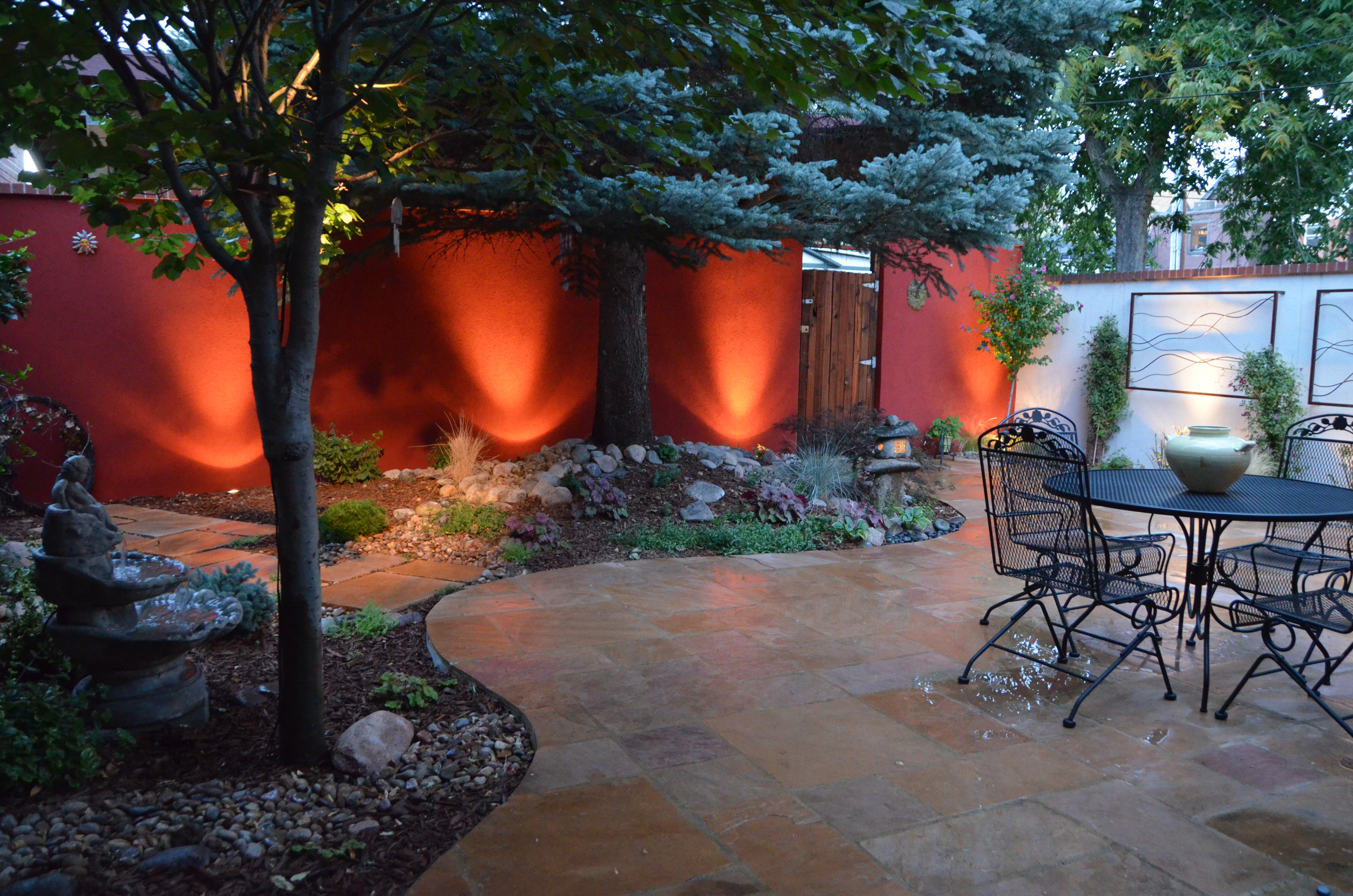 Denver Highlands Courtyard With Flagstone