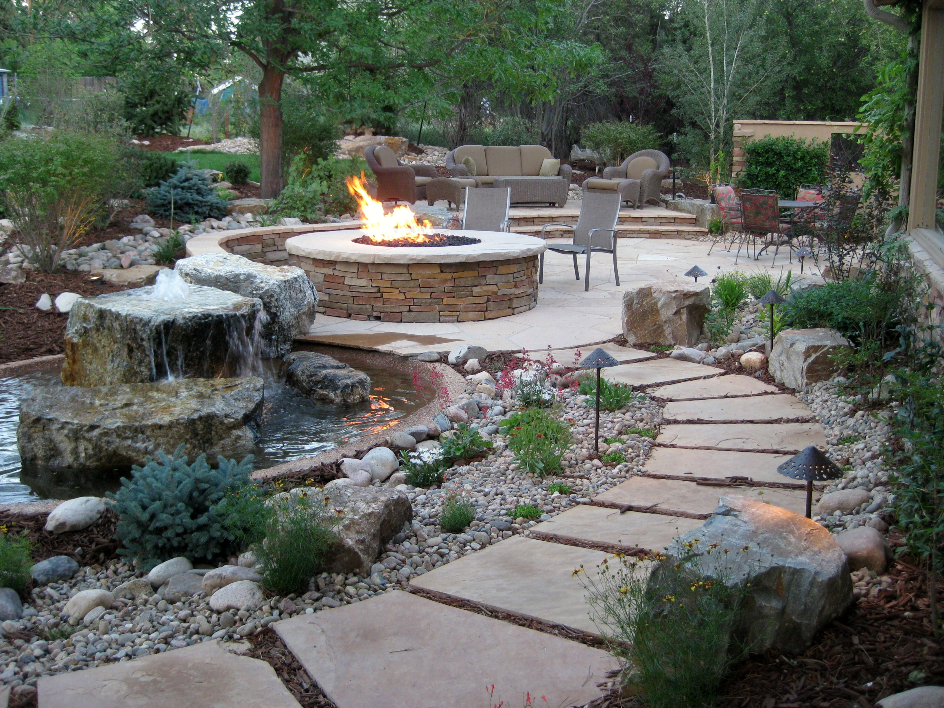 Courtyards landscaping in denver for Courtyard landscaping ideas